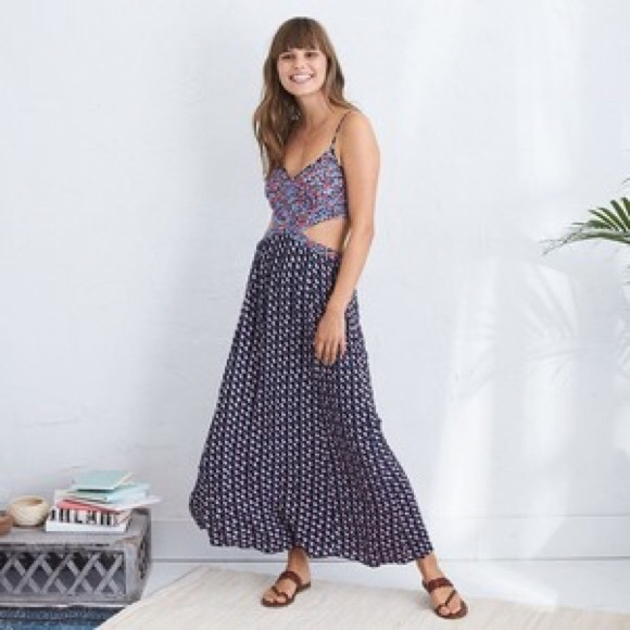 3dc1bde268 aerie Dresses & Skirts - Aerie printed cut out maxi dress